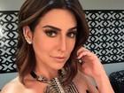 Fernanda Paes Leme posa decotada para selfie e ganha elogios