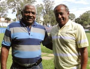 Zé Carlos e Dirceu Lopes, ex-jogadores do Cruzeiro (Foto: Marco Antônio Astoni)