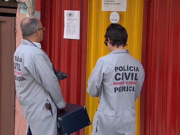 Polícia investiga as cusas do crime no bairro Santa Mônica, na Região de Venda Nova (Foto: Reprodução/TV Globo)