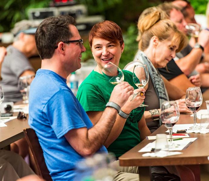 Todos os familiares poderão saborear vinhos e gastronomia no festival, que acontece no Epcot (Foto: Walt Disney World)