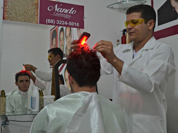 Dos 15 aos 25 anos tratamento garante 100% de resultado (Foto: Iryá Rodrigues/G1)