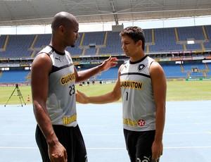 Jefferson Elkeson treino Botafogo (Foto: Cezar Loureiro / Agência o Globo)