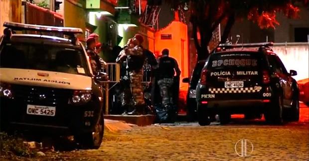 Abrigo foi cercado pela Polícia Militar (Foto: Kleber Teixeira/Inter TV Cabugi)