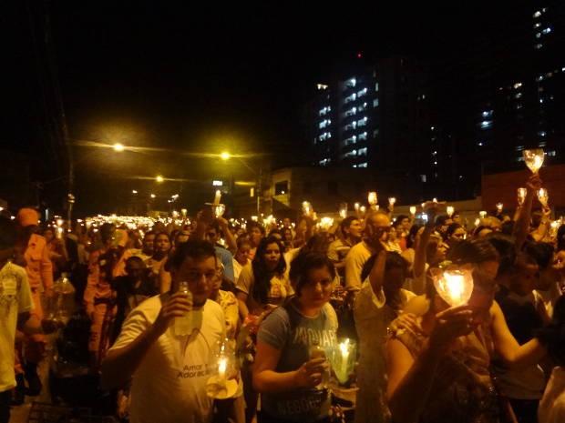 Milhares de fiéis prestam homenagem à Nossa Senhora de Fátima  (Foto: Do G1 Pará)