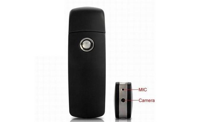 3572b6d622d09 Pendrive capta vídeo e áudio com bateria recarregável e design discreto  (Foto  Divulgação