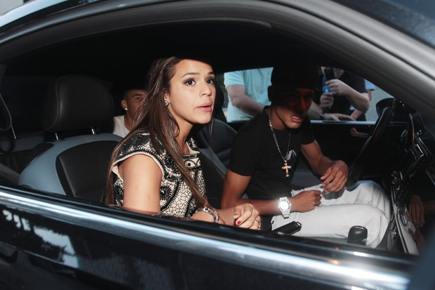 Neymar e Bruna Marquezine deixam festa juntos (Foto: Francisco Cepeda / Ag.News)