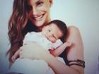 Carol Francischini posa com a filha pela primeira vez