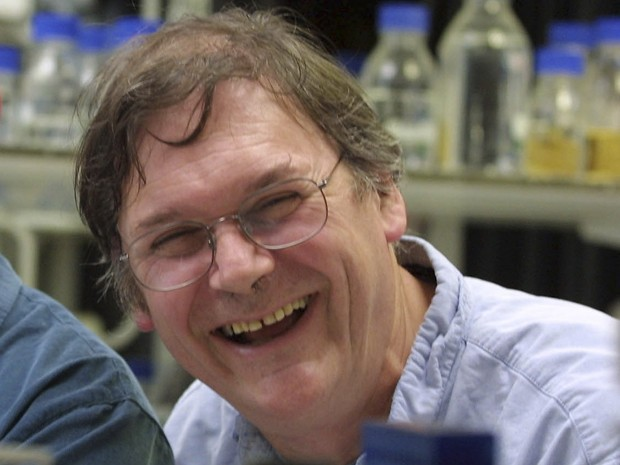Tim Hunt em foto de 8 de outubro de 2001 (Foto: AP Photo/Alastair Grant, File)