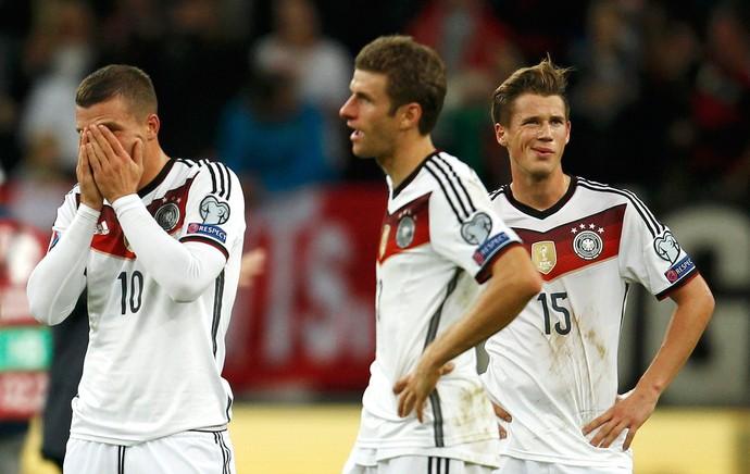 Ressaca da Copa  Alemanha volta a jogar mal e tropeça contra a ... f1a44e616d54a
