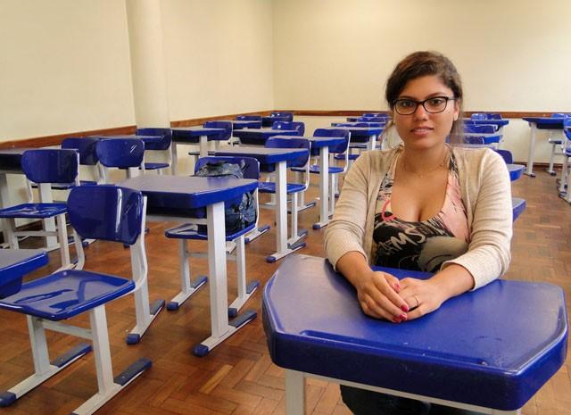 Ana Luiza Mendonça escolheu trocar um colégio particular de Belo Horizonte pelo ensino médio do público  (Foto: Pedro Cunha/G1)