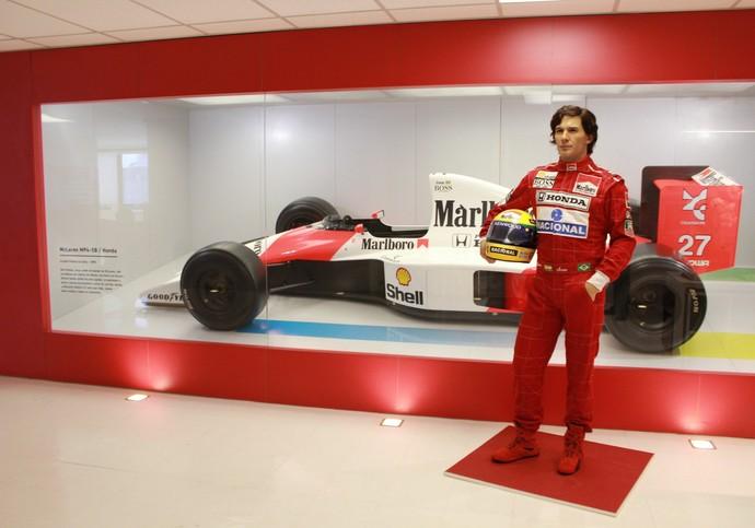 Estátua de Ayrton Senna está na sede do instituto, em São Paulo, e ficará em exibição em Petrópolis (Foto: Janaina Almeida / Divulgação)