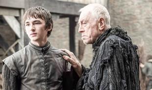 Bran Stark (Isaac Hempstead Wright) aparece crescido na sexta temporada de 'Game of thrones' ao lado do Corvo de Três Olhos (Max von Sydow) | HBO