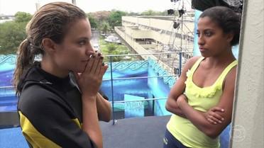 Maíra Charken mostra nervosismo durante os treinos