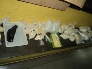 Polícia encontra refinaria de drogas em Poá (Foto: Rodrigo Galvão/ Polícia Militar)