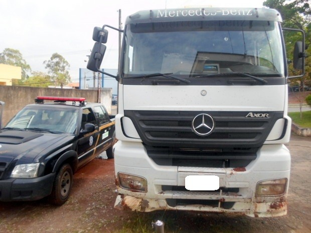 Caminhão foi roubado em um posto de gasolina de Salto e Elias Fausto (Foto: André Ricardo Alves dos Santos/GM)