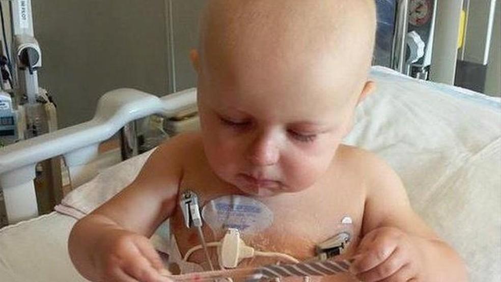 Jaxson durante o tratamento de câncer (Foto: Melissa Slade/Arquivo Pessoal)