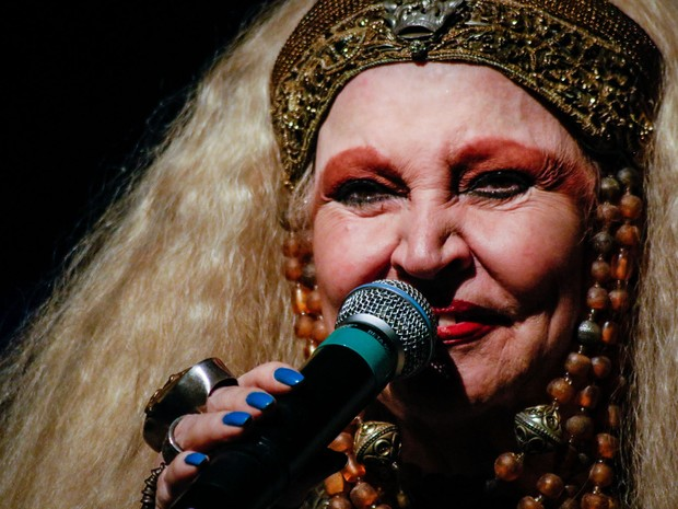 Elke Canta e Conta, com Elke Maravilha (Foto: Estúdio Mandala / Divulgação)