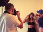 Adriana mostra boa forma em sessão de fotos 'Das coisas que mais amo'