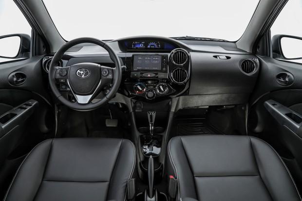 Sobre Toyota Etios Hatch Mun_2473