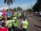 Servidores estaduais e centrais sindicais protestam em Palmas