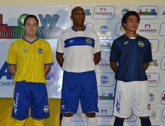 Uniformes São José 1º uniforme Dé Bahia, 2º uniforme Negretti, 3º uniforme Vitor Sonny (Foto: Filipe Rodrigues)