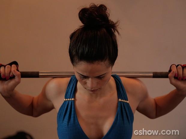 Nanda Costa investe no treino funcional para modelar o corpo (Foto: Império/TV Globo)