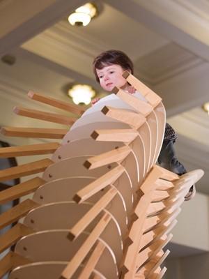 """Obra """"The Observer"""", da artista australiana Patricia Piccinini (Foto: Carol Quintanilha/Divulgação)"""