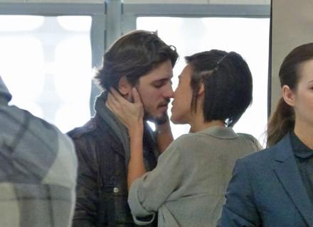Leila e Rafael embarcam juntos para viverem sua história de amor