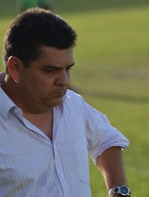 Fernando Dourado diz que o importante foram os três pontos (Foto: Felipe Martins/GLOBOESPORTE.COM)