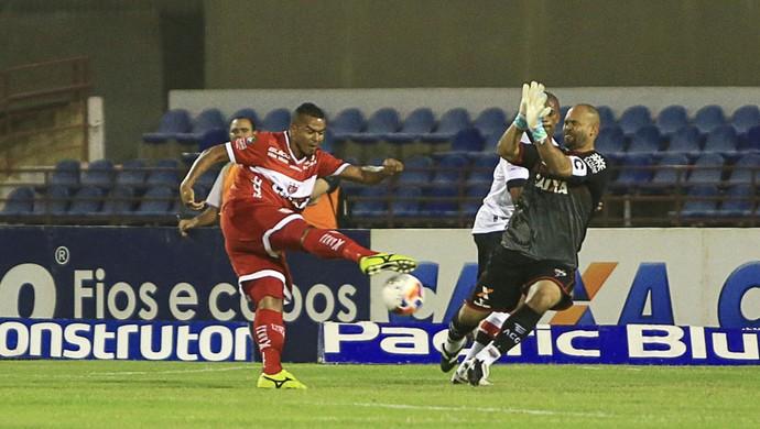 CRb x Atlético-GO - Série B 2015 (Foto: Ailton Cruz/Gazeta de Alagoas)