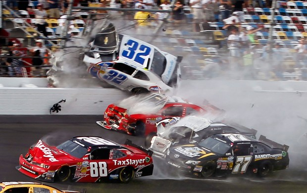 Acidente Nascar Daytona Kyle Larson (Foto: AP)