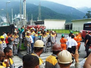 Vazamento de gás aconteceu na área industrial de Cubatão (Foto: G1)