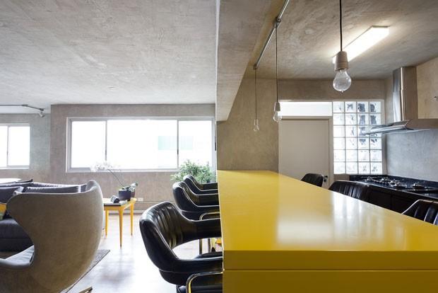 Tons de cinza e amarelo (Foto: Ricardo Bassetti)