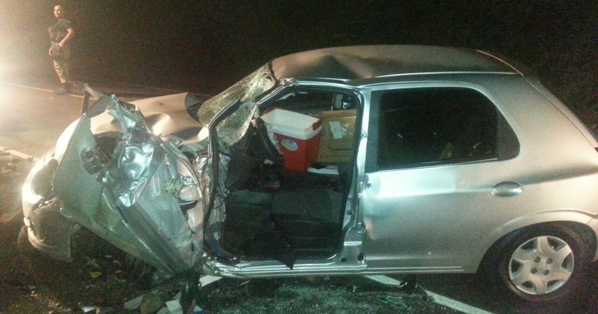 Com destilados no carro, jovem bate contra ônibus e tem lesões ... - Globo.com