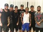 Neymar vai a festa na casa de Nego do Borel após goleada na Rio 2016