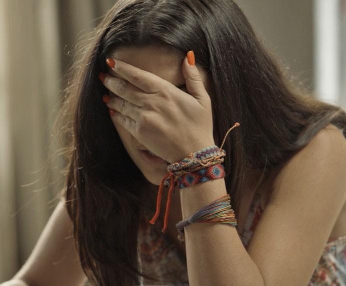 Tóia fica atordoada após ouvir falsa informação de Romero (Foto: TV Globo)