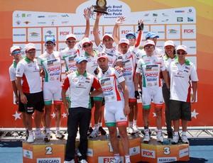 Equipe de ciclismo de Pindamonhangaba foi a melhor da Volta de São Paulo em 2011 (Foto: Sérgio Shibuya/MBraga Comunicação)
