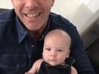 Alexandre Côrrea e Ana Hickmann compartilham foto do filho na web