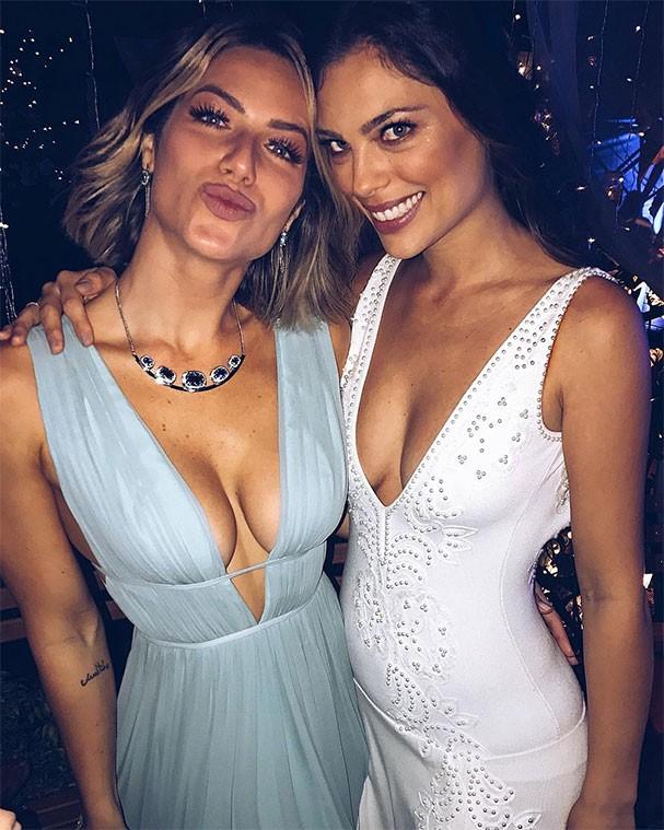 Giovanna Ewbank com a noiva, Joana (Foto: Reprodução/Instagram)