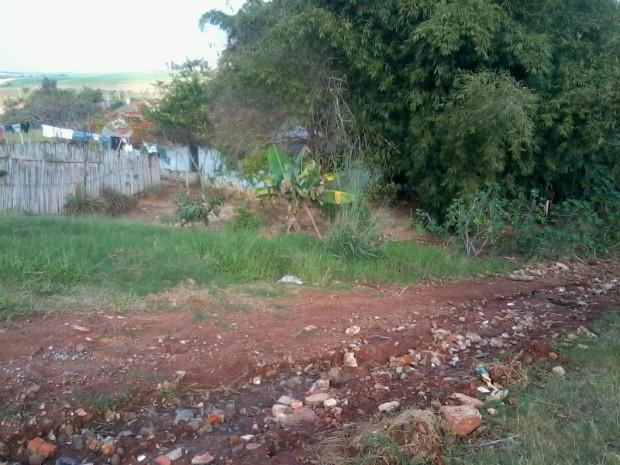 Segundo moradores, vários pedidos de asfaltamento foram feitos. (Foto: Divulgação / Ana Lúcia Silva)