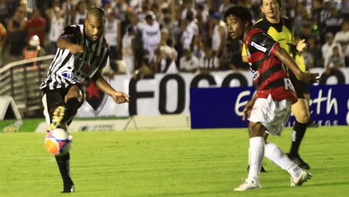botafogo-pb x campinense campeonato paraibano lenílson (Foto: Kleide Teixeira / Jornal da Paraíba)
