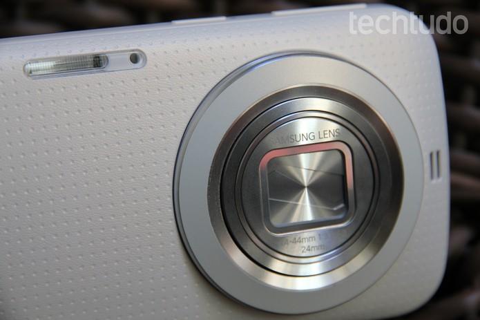 Galaxy K Zoom tem uma lente com performance muito boa (Foto: Tainah Tavares/TechTudo)