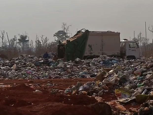 Lixão que funcionava de maneira irregular foi interditado (Foto: Reprodução/ TVCA)