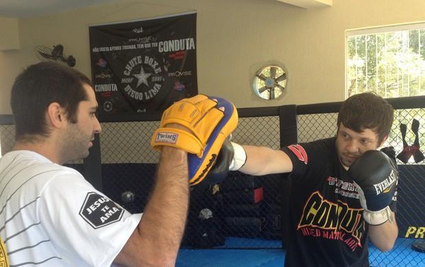 Bruno KLB treino MMA (Foto: Diogo Venturelli)