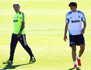 José Mourinho e Kaká no treino do Real Madrid (Foto: Reuters)