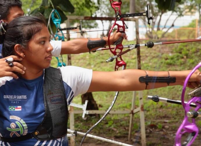 Índios arqueiros são destaque no programa (Foto: Zappeando)