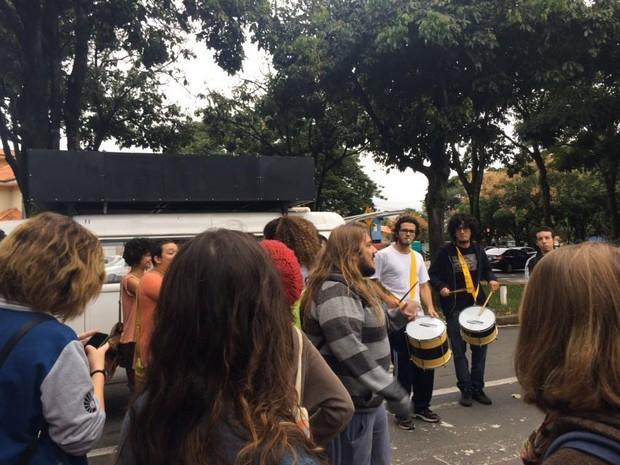 Manifestantes em protesto na Unicamp, em Campinas (Foto: João Barbosa)