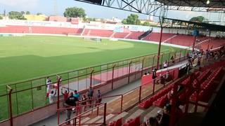 Estádio Gilberto Siqueira Lopes, em Lins (Foto: Sérgio Pais)