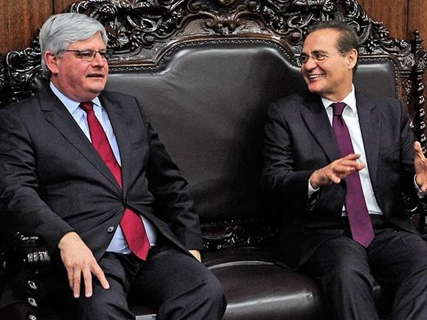 Renan Calheiros (dir.) recebe Rodrigo Janot em seu gabinete no Senado (Foto: Jonas Pereira / Senado)