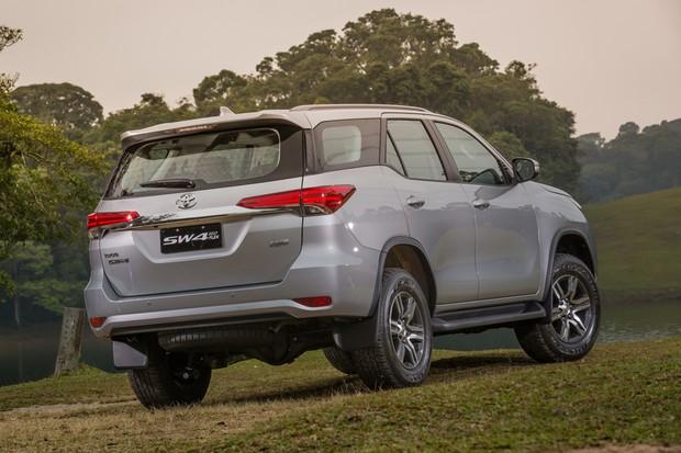 Toyota apresenta SW4 com motor flex no Brasil (Foto: Divulgação)